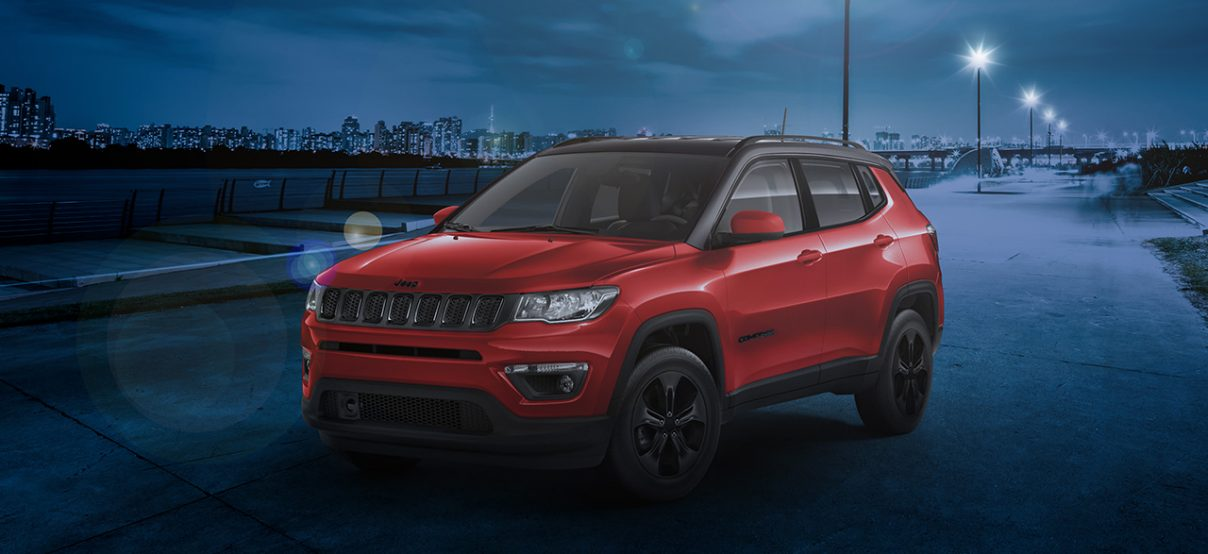 Вид сзади Jeep Grand Cherokee SRT